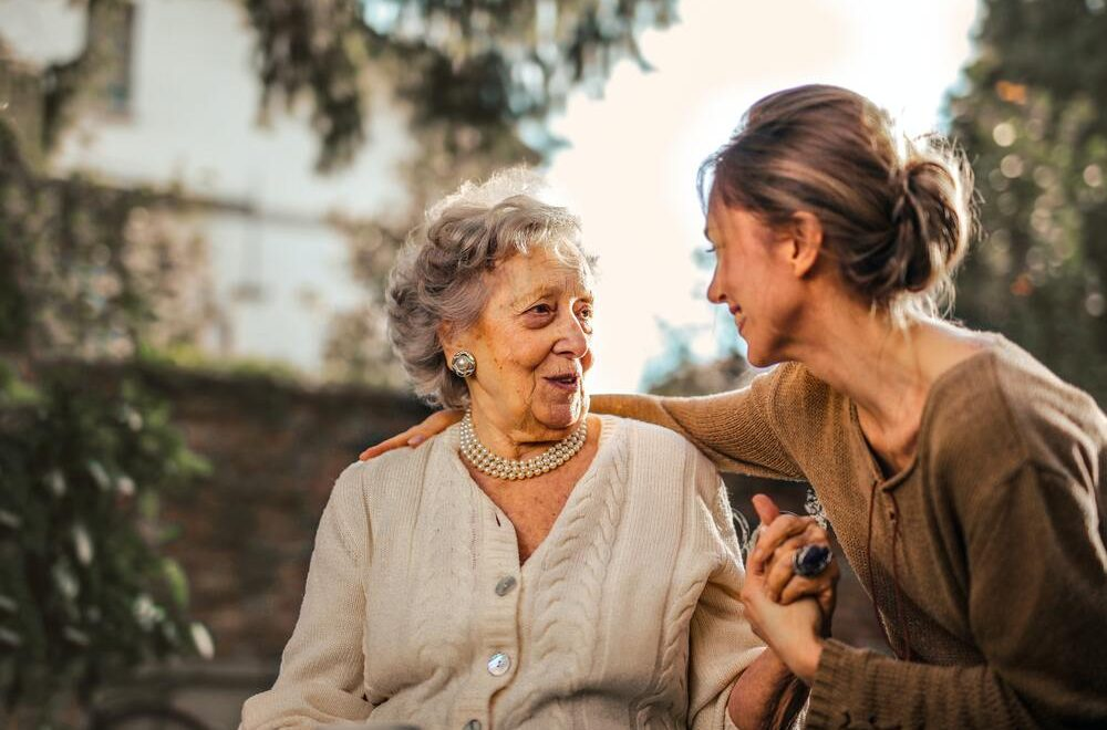 hoe senioren langer thuis kunnen wonen